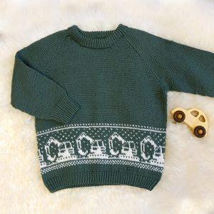 Bluum tröja - Grävmaskintröjan i Pure Eco Baby Wool Grågrön Stickning 8-10 år