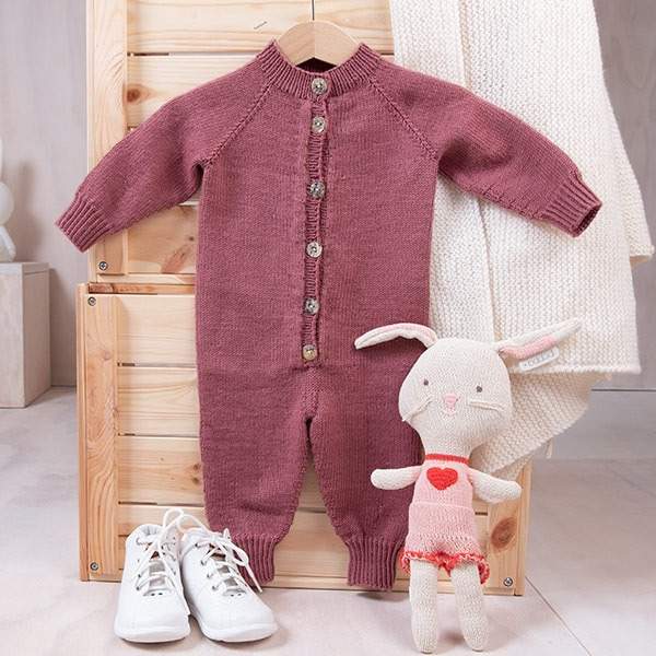 Bluum-stickad-dress-med-raglan-1-1.jpeg