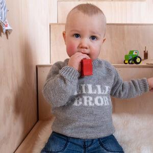 Bluum stickad tröja - Lillebror i Pure Eco Baby Wool