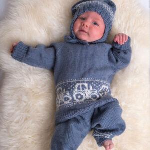 Bluum stickningsset - Traktor i Pure Eco Baby Wool