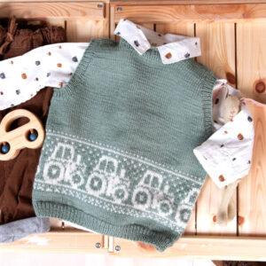 Bluum stickad väst - Traktor i Pure Eco Baby Wool