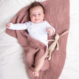 Bluum stickad babyfilt - i Pure Eco Baby Wool