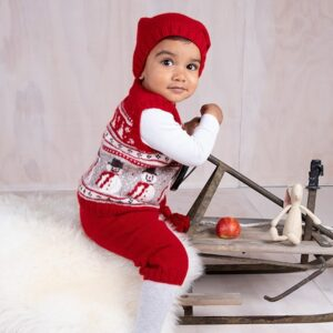 Bluum stickning - Julväst 4 frg m/knäbyxor och tomteluva Soft Merino Ull